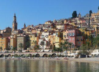 tourisme sud de la France à la frontière italienne